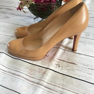 Christian Louboutin Camel leather heel pumps
